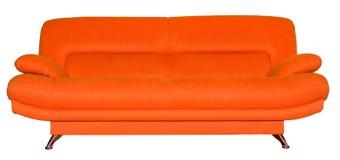 Orange soffa för modernt tyg som isoleras på vit Royaltyfria Foton