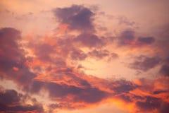 Orange Sonnenunterganghimmel Schöner Himmel Lizenzfreie Stockfotos
