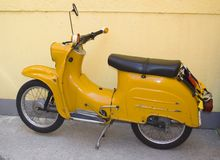 orange sparkcykel arkivbild
