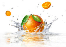 Free Orange Splashing Into Clear Water Royalty Free Stock Images - 31905479
