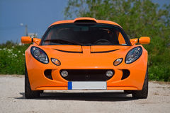 orange sportscar royaltyfria foton