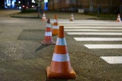 Orange stå för trafikkottar Royaltyfri Bild
