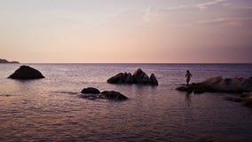 Orange Strand in Griechenland lizenzfreie stockbilder