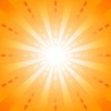 Orange strecklinje med startbristning i mitten för abstrakt bakgrundsbegrepp Royaltyfria Bilder
