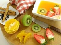 Orange Suppe mit Gewürzen 3 Stockbilder