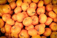 Orange sur le marché Photo stock