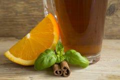 Orange, Tee und Zimt Stockbilder
