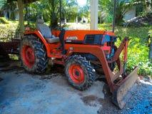 orange traktor Arkivfoton