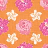 Orange tropiska blommor på sömlöst modelltryck royaltyfri bild