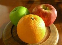 Orange und Äpfel Lizenzfreies Stockbild