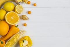 Orange und gelbe Frucht Stockfotografie