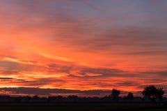 Orange und gelbe Landschaft des Himmels Stockfoto