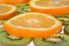 Orange und Kiwi Lizenzfreie Stockfotos