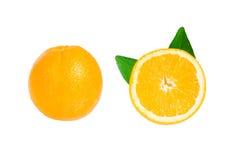 Orange und orange Scheibenisolat auf Weiß mit Arbeitsweg Stockfotografie