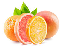 Orange und Pampelmuse mit den Scheiben lokalisiert auf dem weißen backgrou Stockfotografie