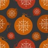 Orange und roter Weihnachtsball des nahtlosen Musters Lizenzfreie Stockfotos