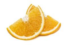 Orange Viertelscheiben 2 lokalisiert auf weißem Hintergrund Stockfotos
