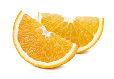 2 orange Viertelscheiben lokalisiert auf weißem Hintergrund Lizenzfreie Stockbilder