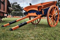 Orange - voiture bleue de classique de cheval Photo libre de droits