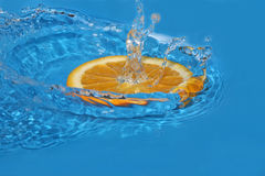 Orange in water Royalty Free Stock Photos