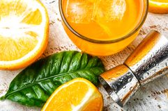 Orangeade avec de la glace image stock