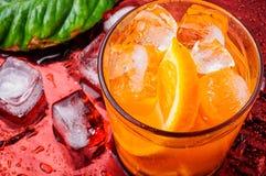 Orangeade avec de la glace photo libre de droits