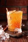 Orangeade avec de la glace et la cannelle image libre de droits