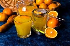 Orangeade dans un verre photographie stock libre de droits