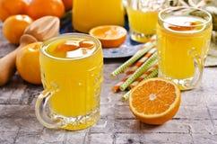 Orangeade dans un verre image libre de droits