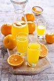 Orangeade dans un verre photos libres de droits