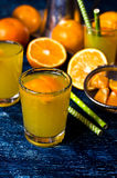 Orangeade dans un verre image stock