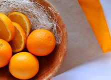Orangen auf der Platte Lizenzfreie Stockfotografie