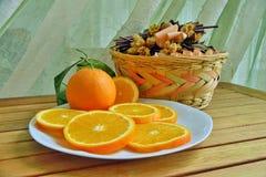 Orangen, Bananen, Kiwi, stockfoto