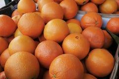 Orangen für Verkauf lizenzfreie stockfotos