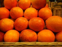 Orangen im Speicher stockfoto