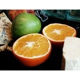 Orangen mit Käse stockbild