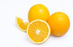 Orangen mit Scheiben Stockbilder