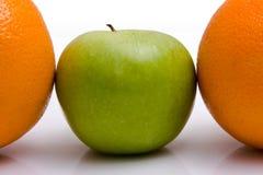 Orangen und Äpfel Stockbild