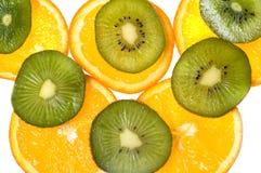 Orangen und Kiwi Lizenzfreie Stockfotos
