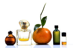 Orangenextrakt und Parfüm Lizenzfreie Stockfotos