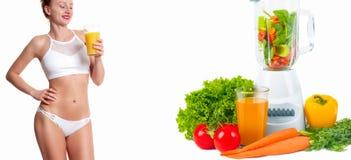 Orangensaft des Schönheitsgetränks, Diätkonzept und Frischgemüse Stockfotografie