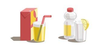 Orangensaft im Glas, in arton Kasten und in der Plastikflasche mit Wasser und einem Glas Stockbild