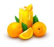 Orangensaft mit Früchten Lizenzfreie Stockbilder
