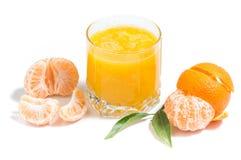 Orangensaft und Klementinen stockfotos