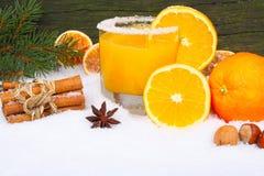 Orangensaft, Vitamine im Winter stockbilder