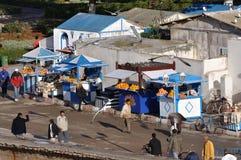 Orangensaftverkäufer in Essaouria Stockfoto