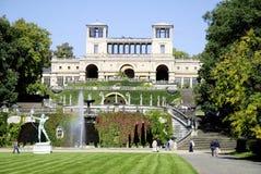 Orangeri i parkera av slotten Sanssouci i Potsdam Arkivfoto