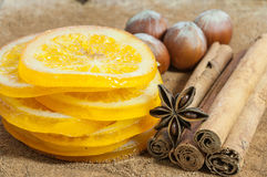 Oranges avec de la cannelle Image stock