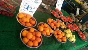 Oranges. In bowl on local market royalty free stock photos