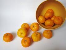 Oranges dans la cuvette Image stock